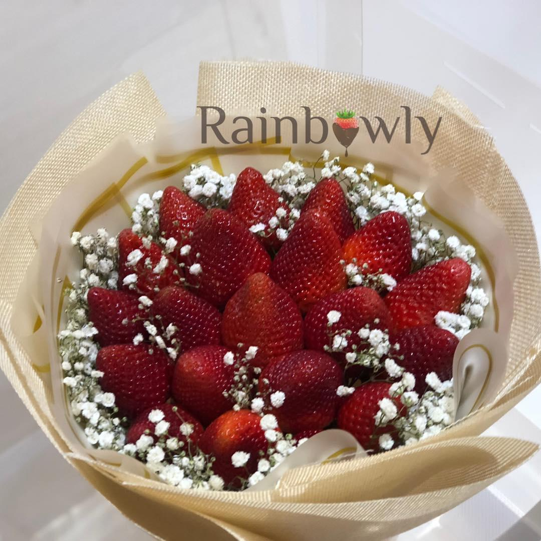 Edible bouquets for Valentine's Day 2019 - strawberries