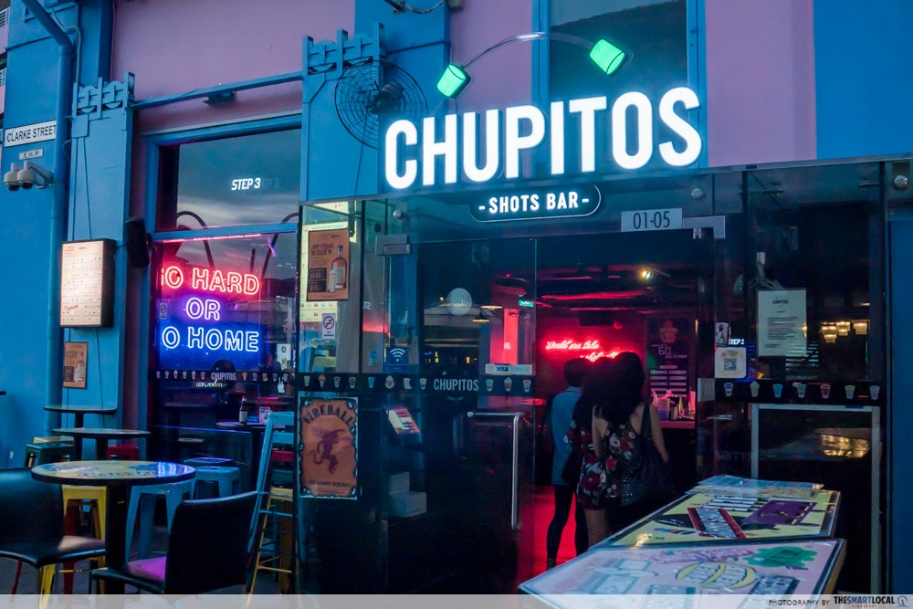 chupitos exterior drinking challenges