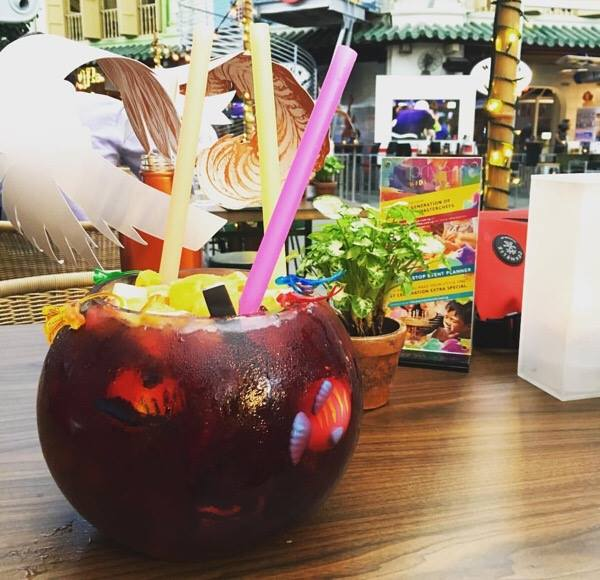 prive sangria bowl clarke quay free drinks drinking challenges