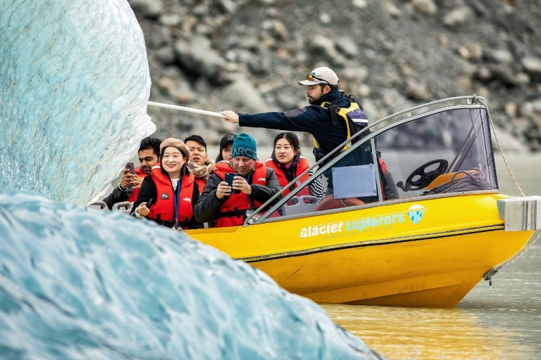 Jetabout holidays - Tasman lake cruise with glacier explorers