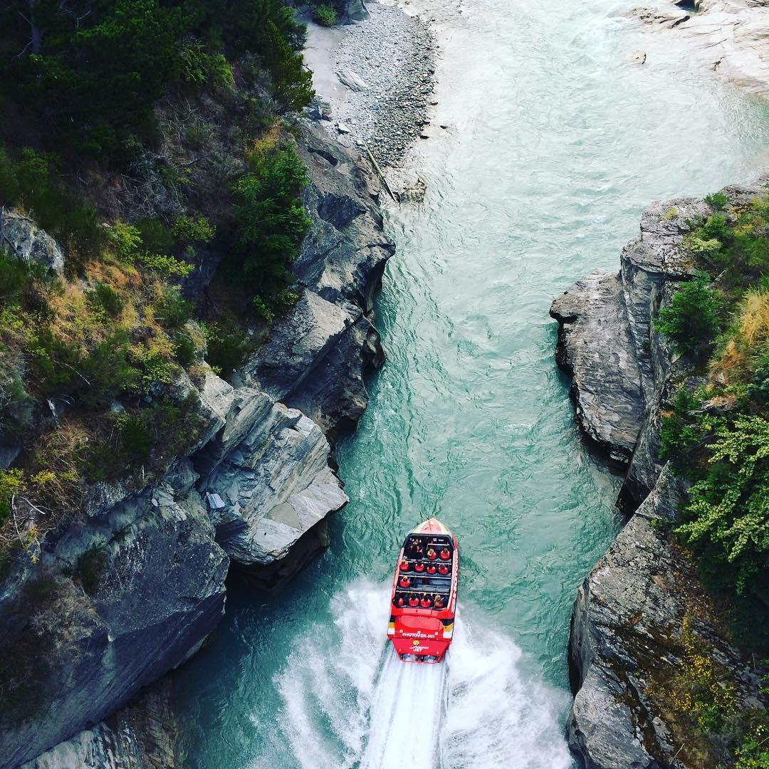 Jetabout holidays - shotover jet boat ride