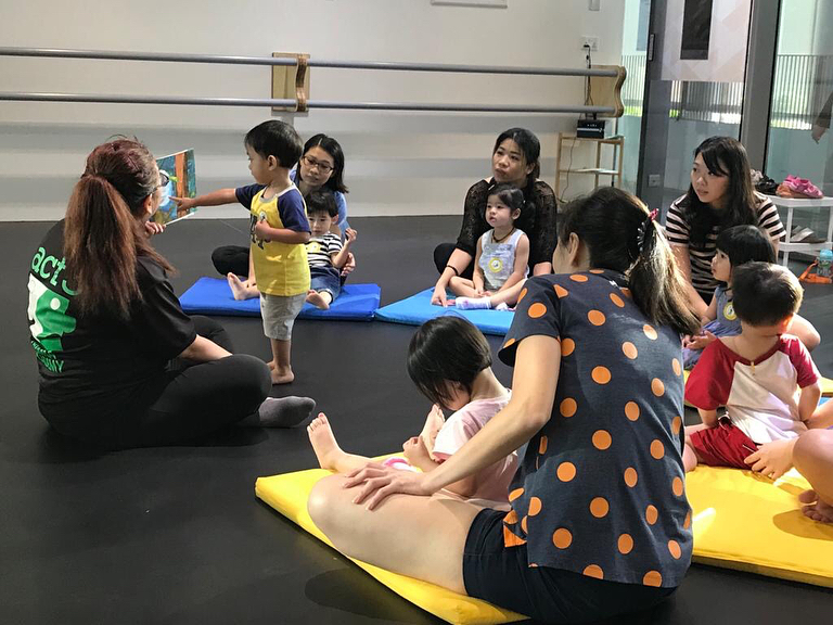 cheap affordable baby kids enrichment classes act3international drama theatre acting babies