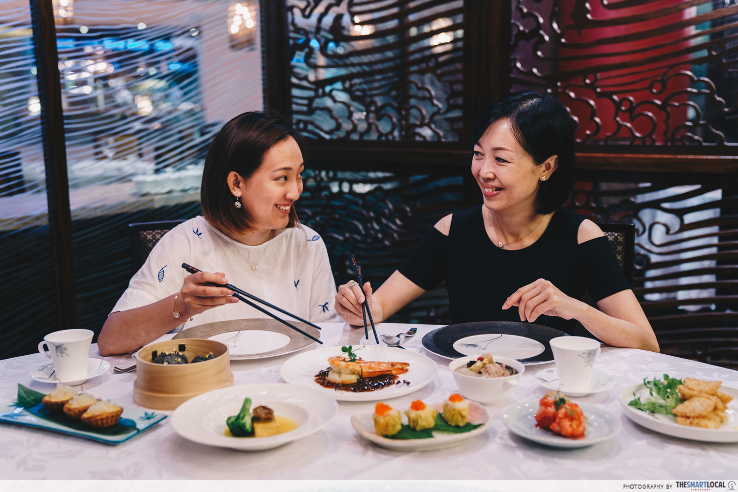 7 Mother's Day Restaurants In Singapore With Deals, Freebies & Gifts To Score Points With Mum