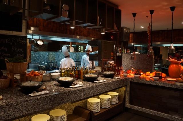 Cafe BLD Buffet, Renaissance Johor Bahru Hotel Review