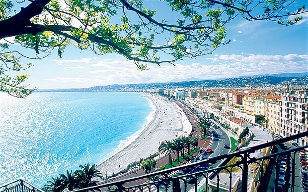 5 Great Must-Eats-and-Drink in Nice, France