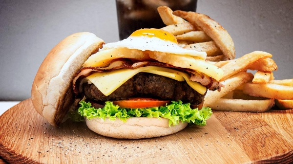 15 Mouthwatering Burgers to die for under 15 dollars