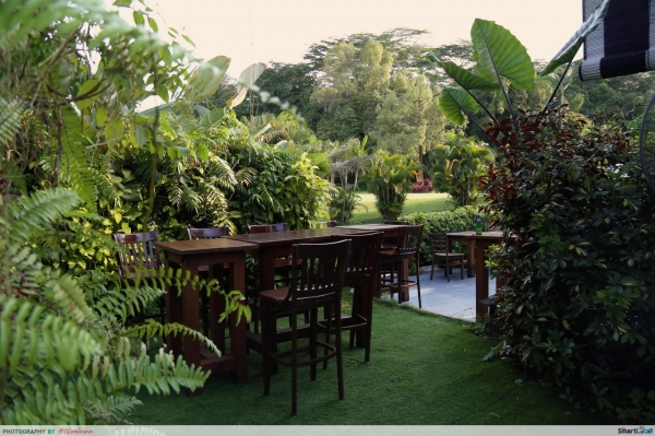 Kakis Bistro and Bar - A Secret Garden