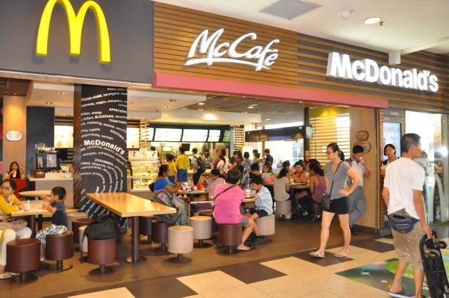 12 Things Singaporean Schoolkids used to do at Heartland Malls