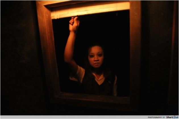 First Look: Halloween Horror Nights 4 - Clowns, Dead School Girls and The Bogeyman!
