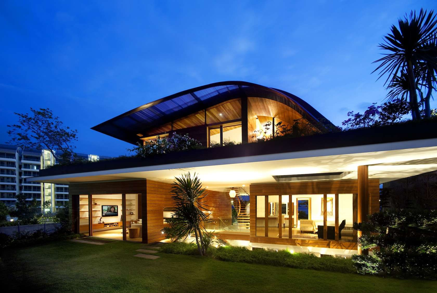 very attractive home construction and design. b2ap3 thumbnail Sky Garden House 1 jpg 16 GORGEOUS Singapore Homes You Need To See Believe  TheSmartLocal