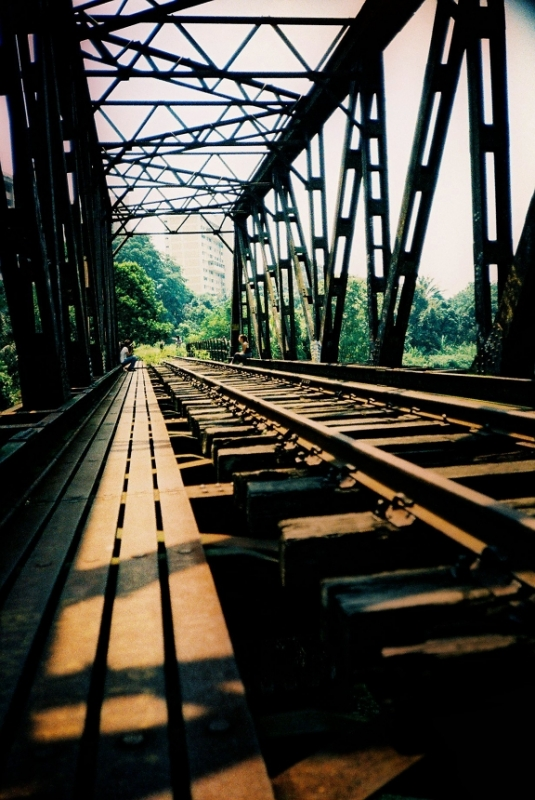 b2ap3_thumbnail_sunset-way-railway-lomography.jpg