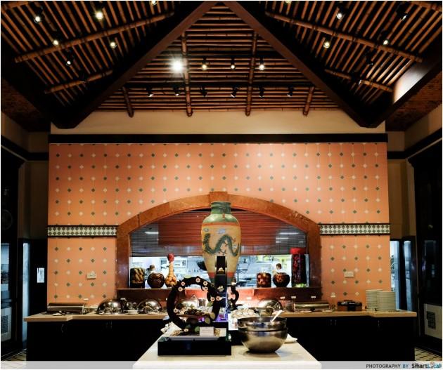 "Ellenborough Market Cafe's ""Sensational Seafood"" Menu - Seafood Delights Alongside Peranakan Spreads"