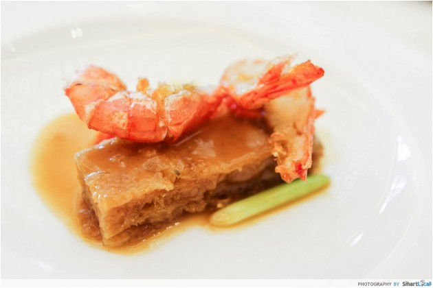 A sample serving of the Sautéed Prawn with Dried Fish Maw
