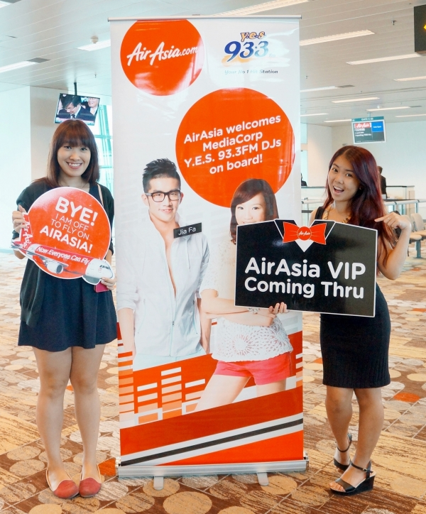 AirAsia's Revamped Inflight meals with DJs Peifen and Jiafa!