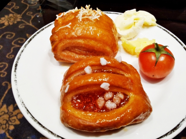 b2ap3_thumbnail_Street-Food---Apple-Pastry-Strawberry-Pastry-Cherry-Tomato.jpg