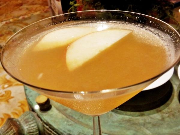 b2ap3_thumbnail_Street-Food---Royal-Lake-Martini-Cocktail.jpg