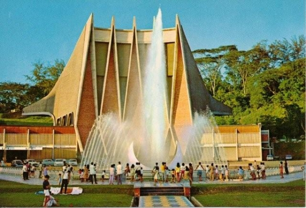 b2ap3_thumbnail_singapore-national-theatre-before.jpg