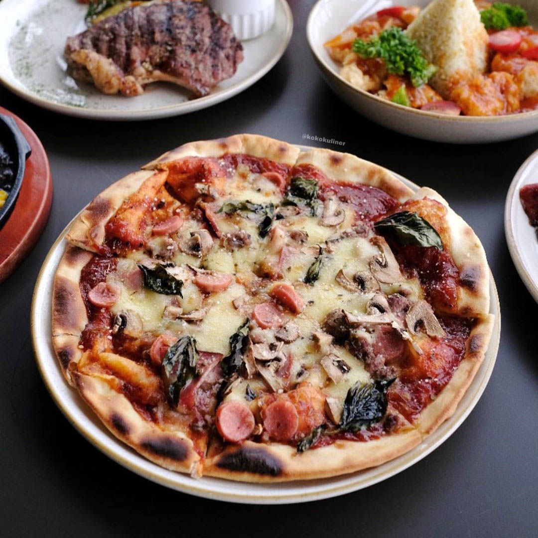 mercusuar cafe pizza