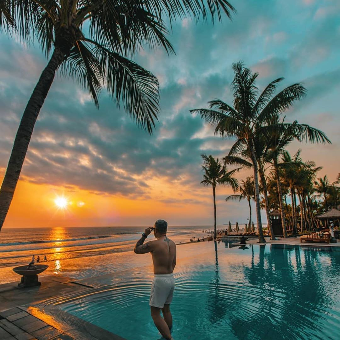 the legian infinity pool
