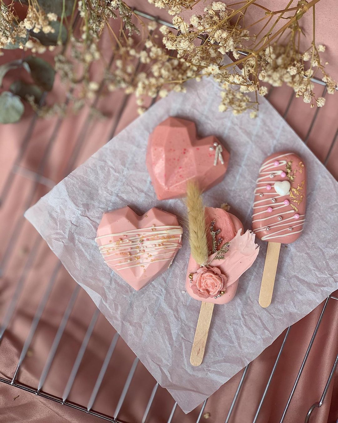 cakesicles by eternelle fleur