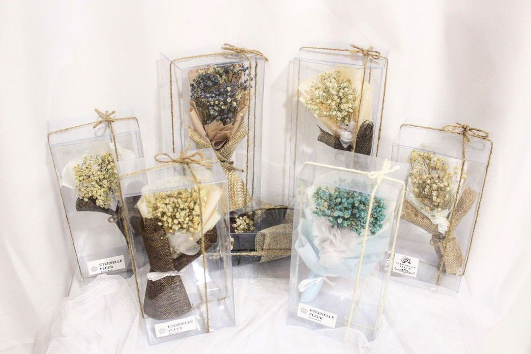 dried flower boxes by eternelle fleur