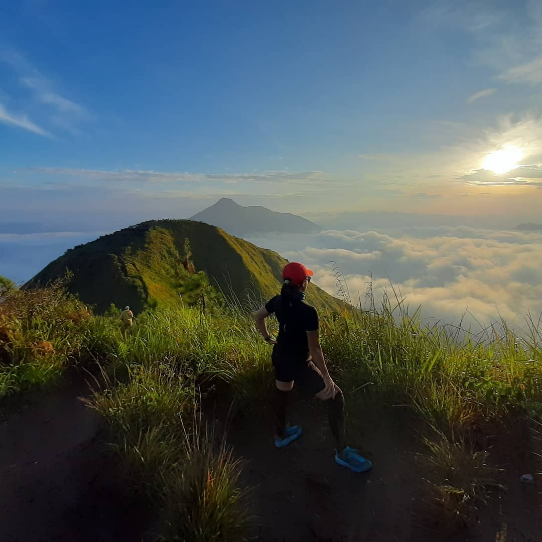 8 easy hiking trails indonesia - mount andong