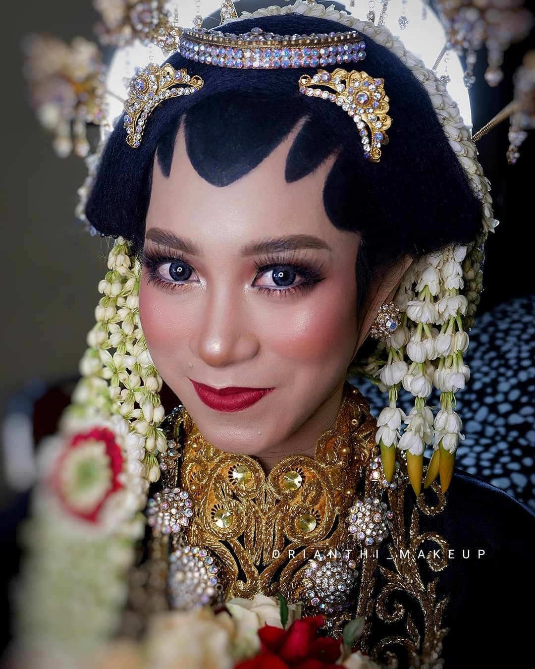 makeup by nia kurnia for a javanese bride