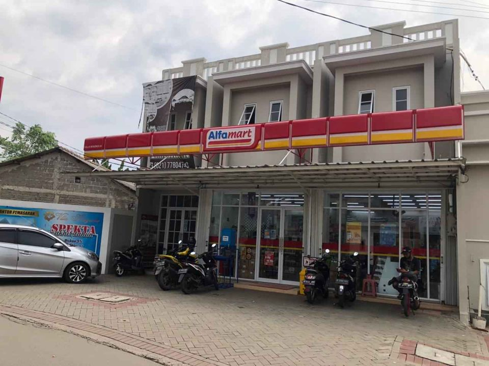 a convenience store in jakarta