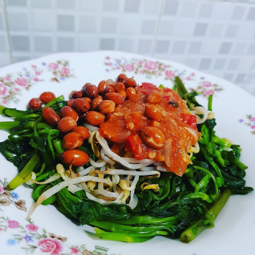 bean sprouts with plecing kankung