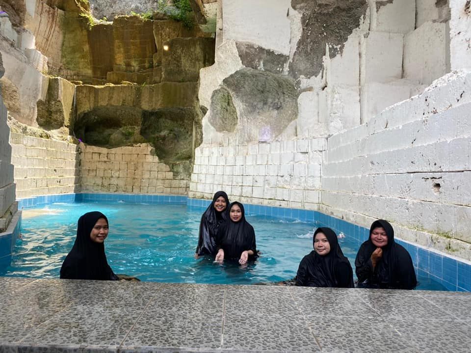 hijabers only bath pool 1