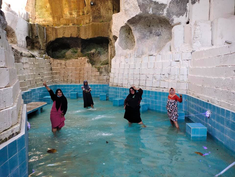 hijabers only bath pool 2