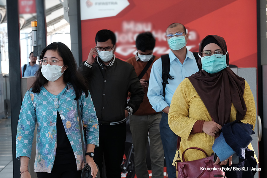 people in jakarta during the covid-19 pandemic