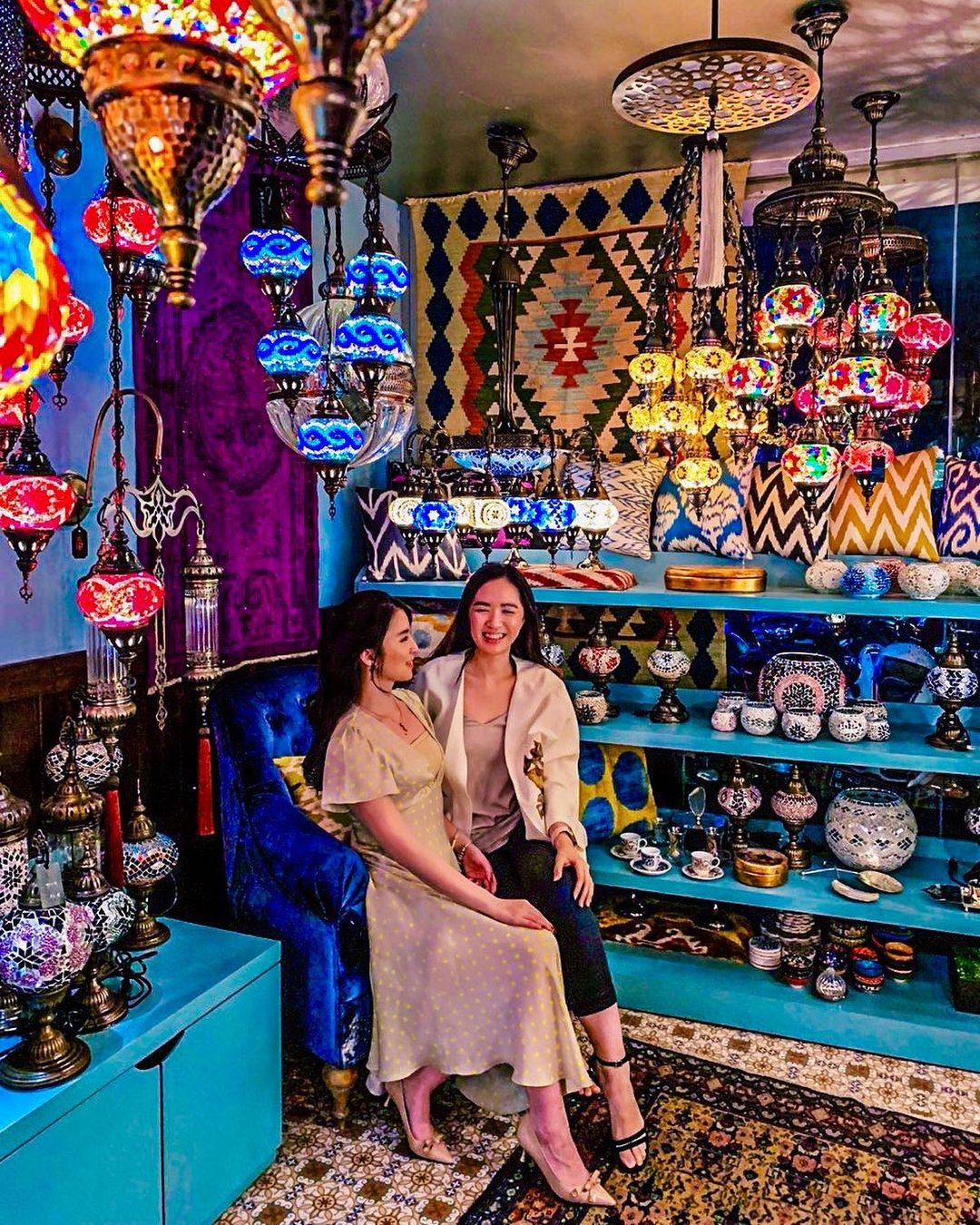 middle eastern and indian restaurants in jakarta - turkuaz lamps