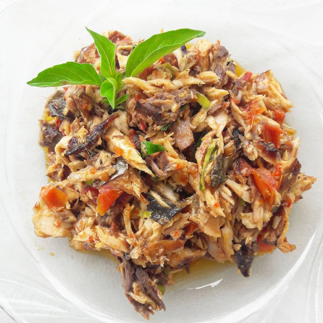 spicy indonesian food -cakalang rica-rica