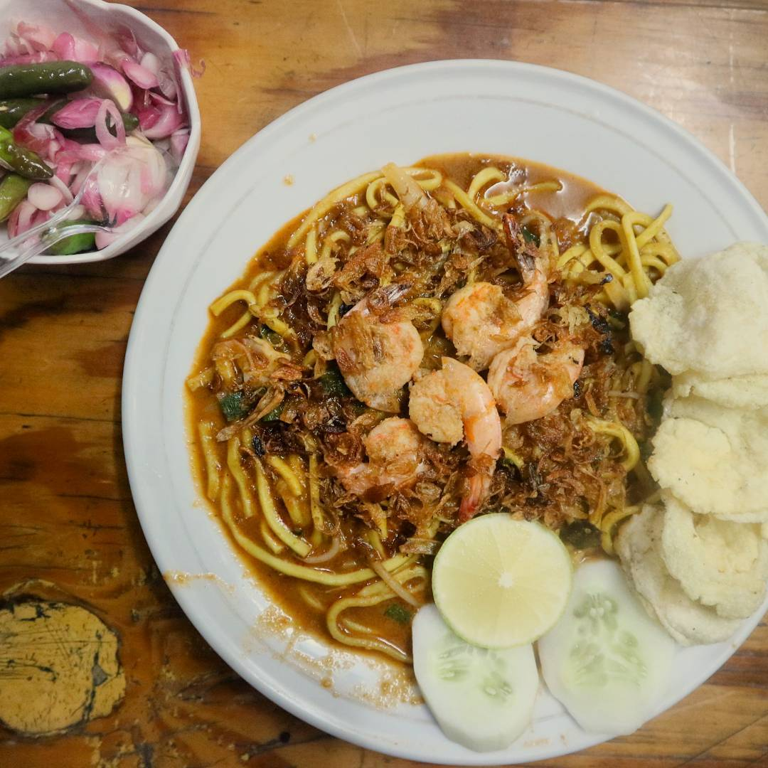 spicy indonesian food - mie aceh