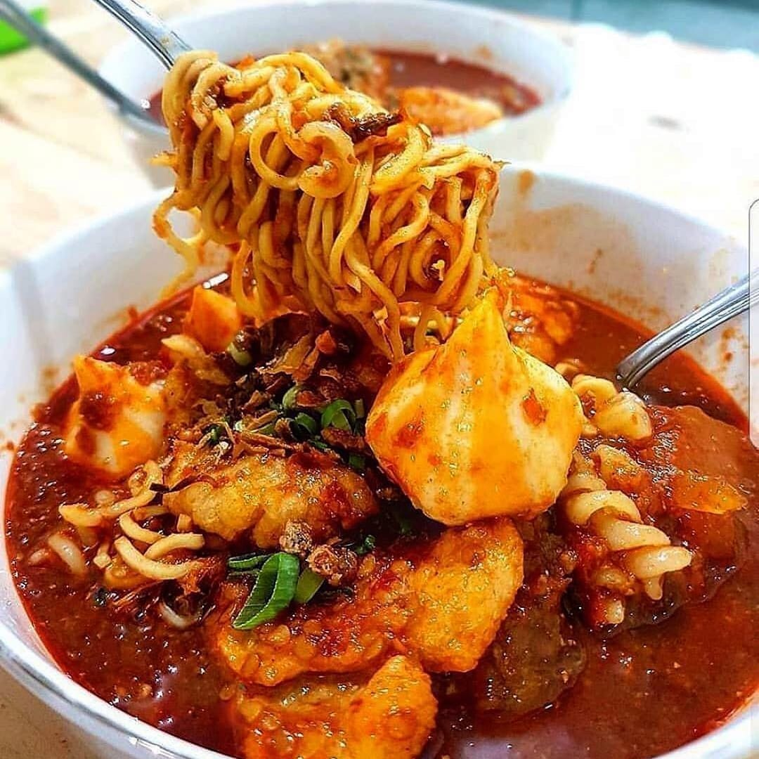 spicy indonesian food - seblak with mie