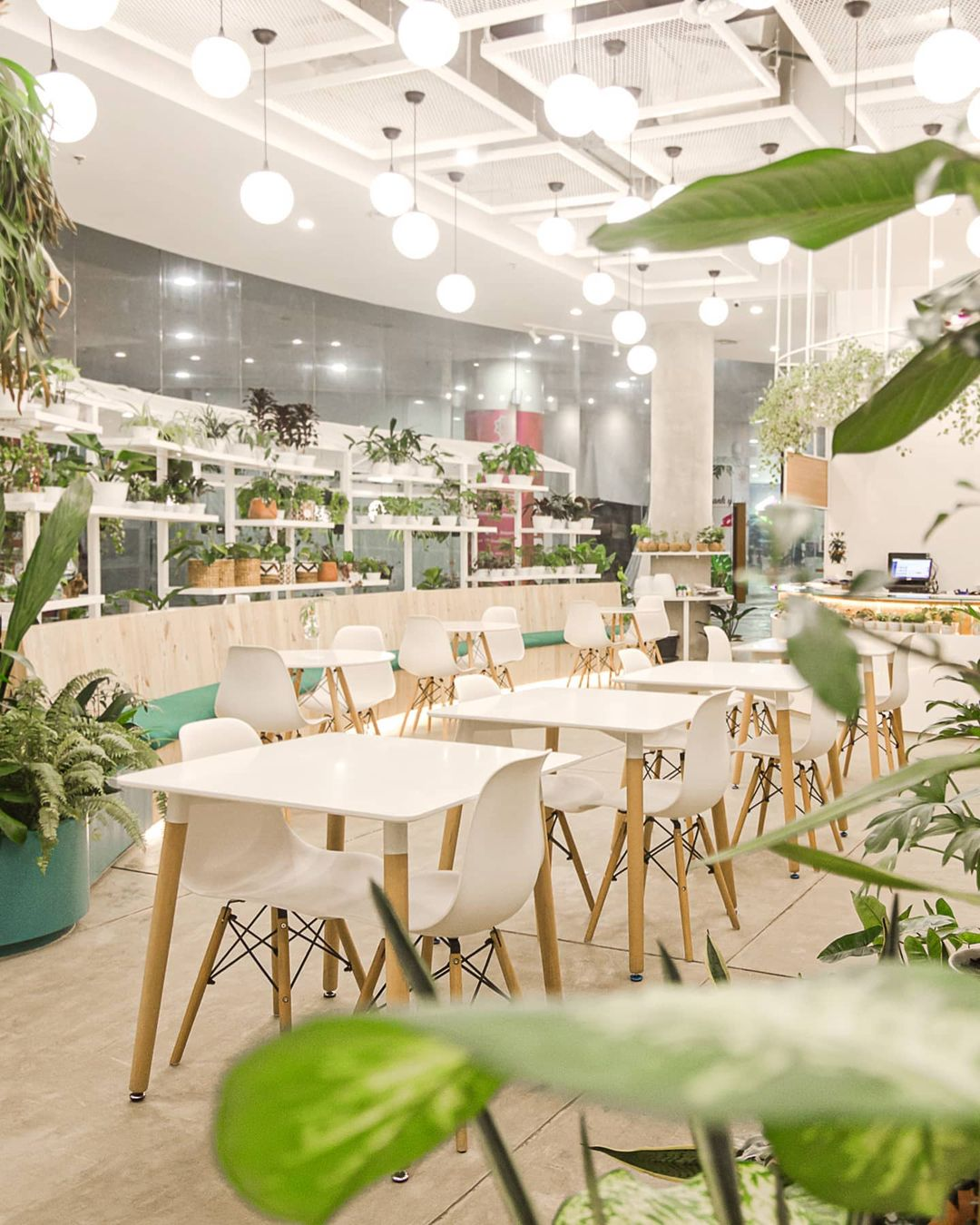 concept stores in jakarta - lof dining area