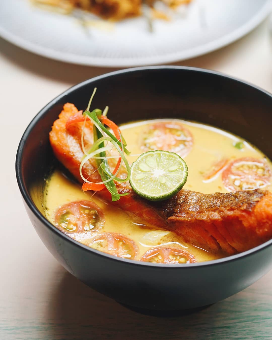 concept stores in jakarta - onni house gulai salmon