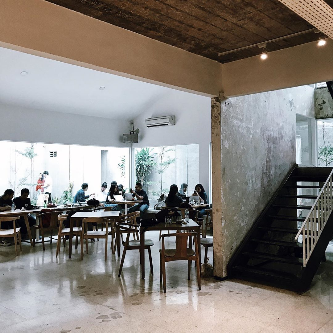 jakarta coffee shops for remote workers - kroma coffee
