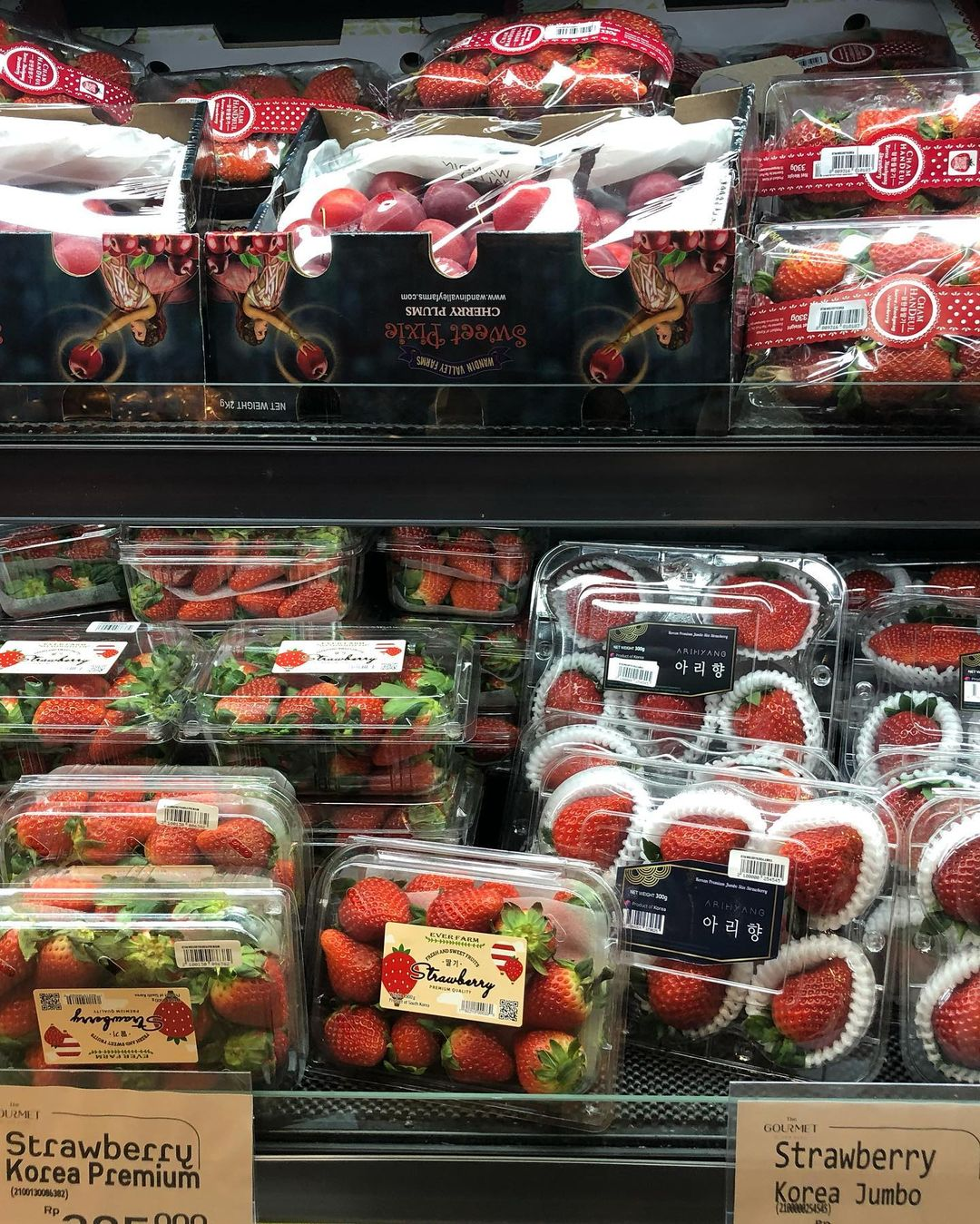jakarta supermarkets with imported food - the gourmet by ranch market korean strawberries
