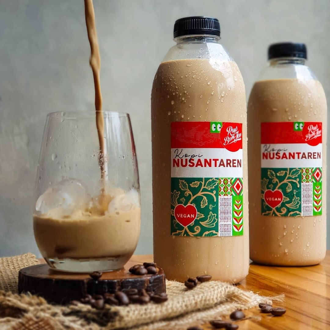 vegan and vegetarian cafes in jakarta - rays bottle of joe kopi