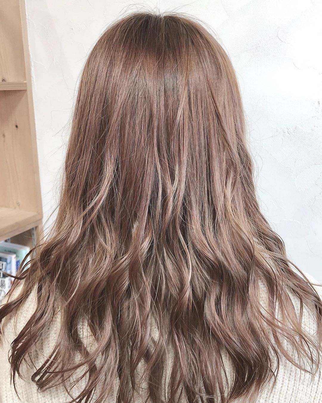 japanese hairstyles - long airy S-shaped waves