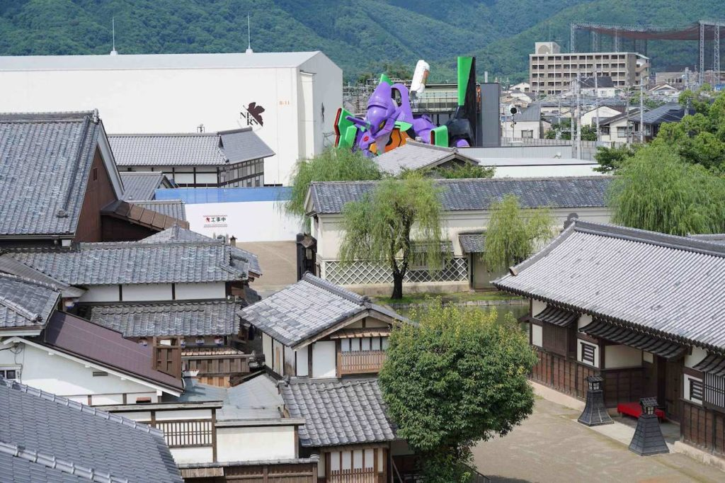 Life-size Evangelion replica in Kyoto - view of replica of EVA unit-01 from afar