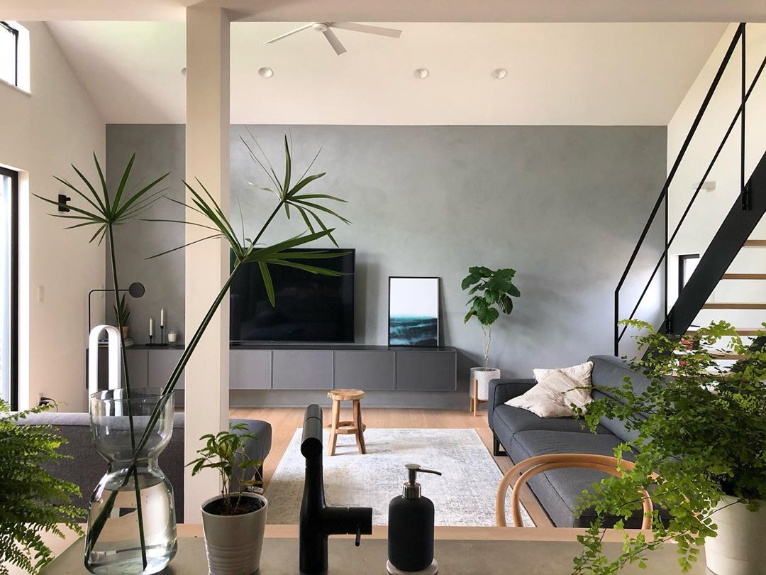japanese home decor - living room with grey feature wall