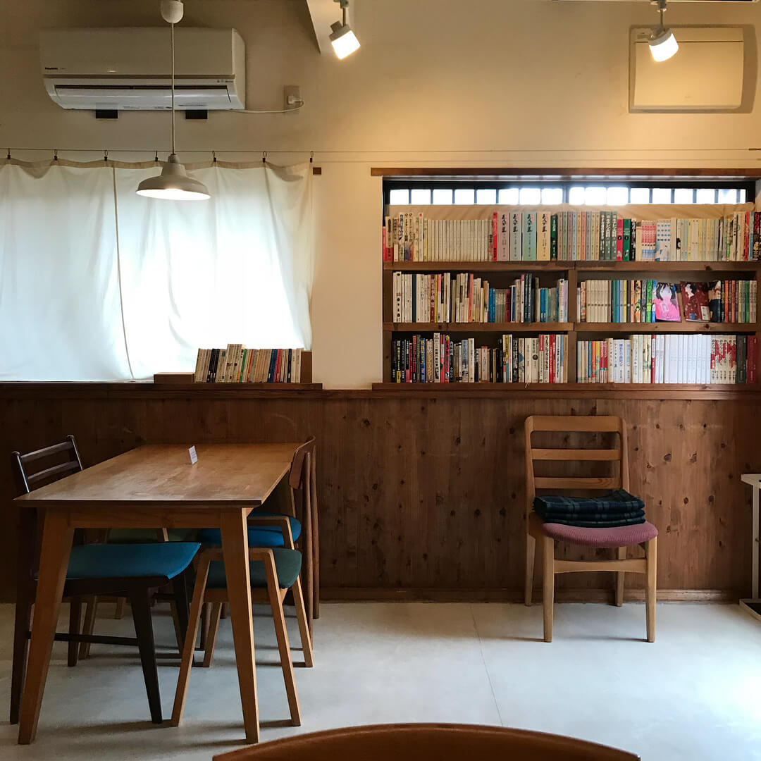 japan cafes heritage buildings - cafe organ interior