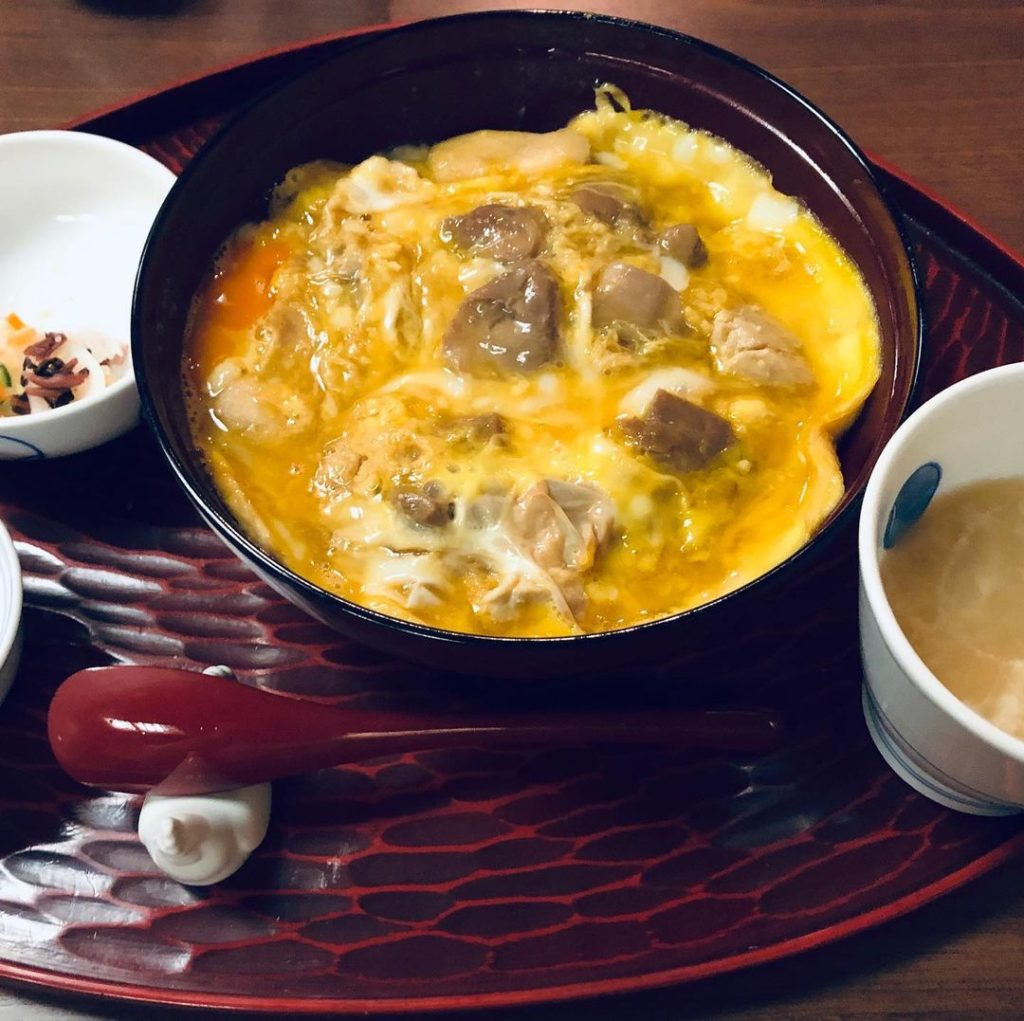 Oldest restaurants in Japan - oyakodon with sides