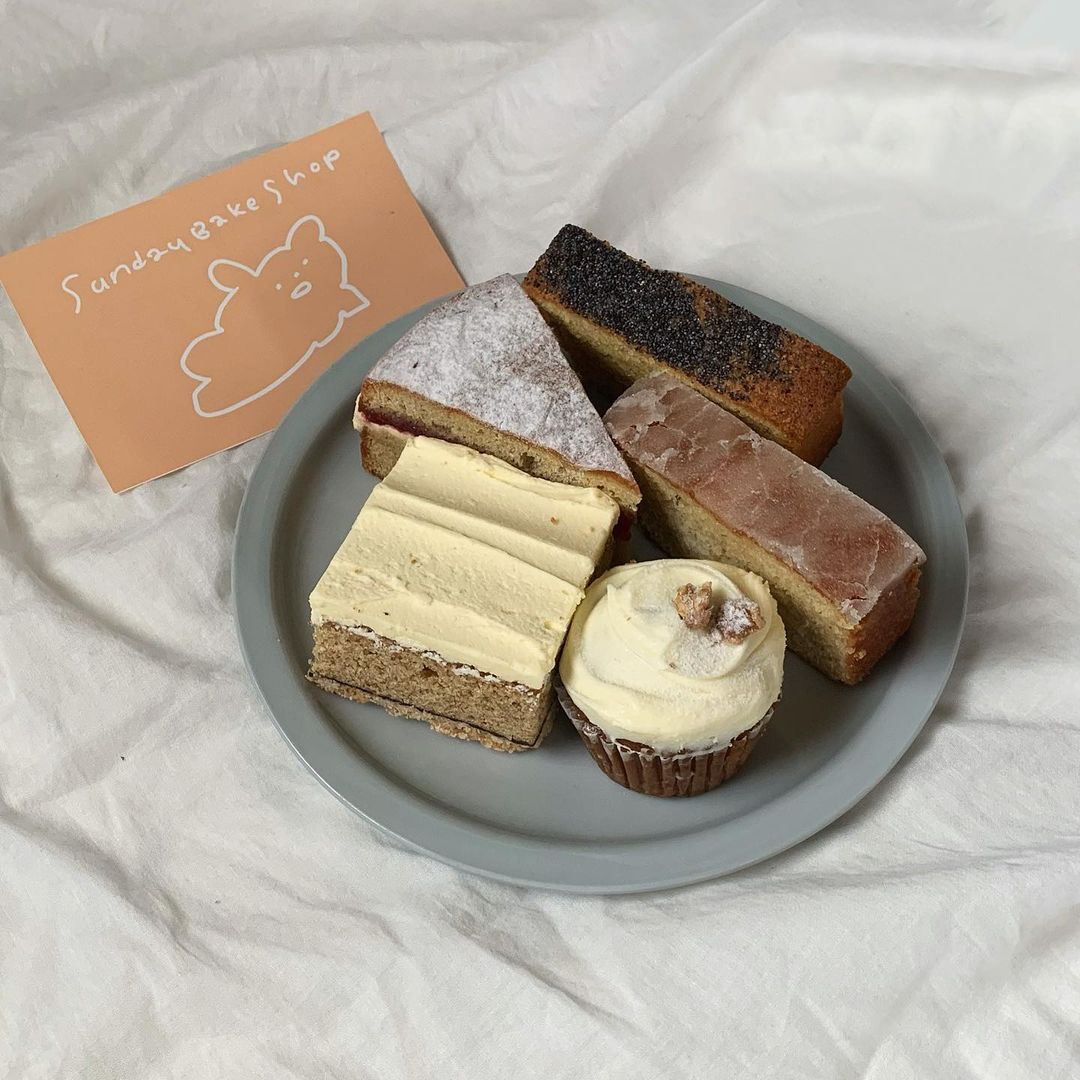 bakeries in tokyo - sunday bake shop cakes