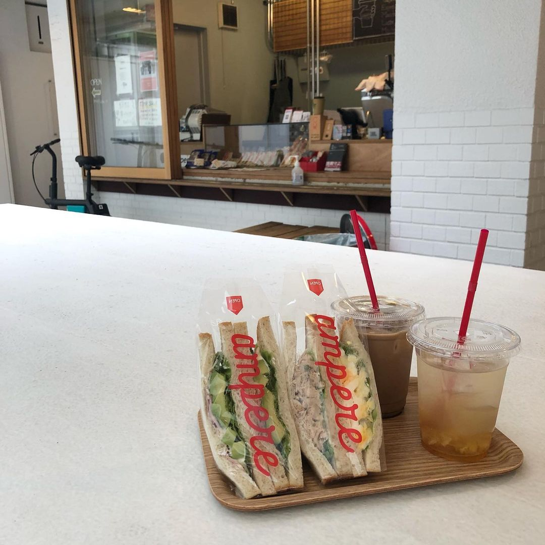 bakeries in tokyo - ampere sandwiches and drinks