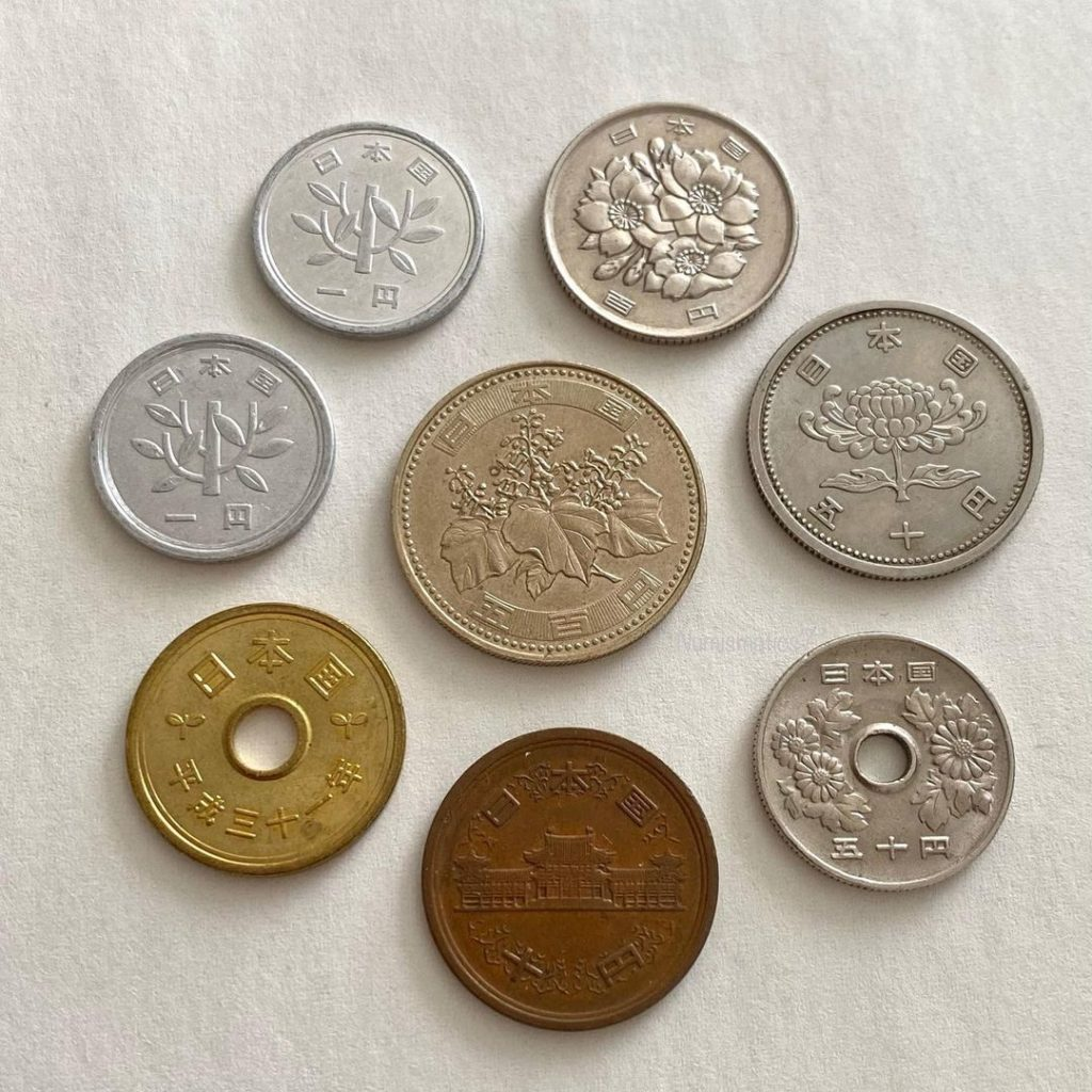 Japan travel tips - japanese coins
