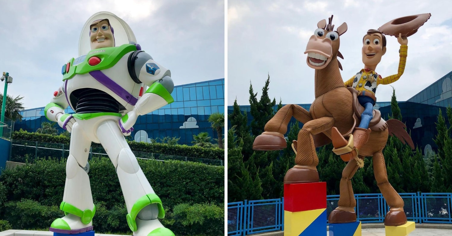 Tokyo Disney Toy Story Hotel - Woody and Buzz statues